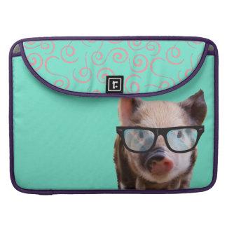 Cute Pig Wearing Glasses - Blue Back Sleeve For MacBook Pro