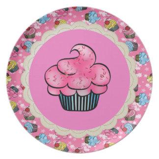 Cute & Pretty Pink Cupcake Pattern Plate