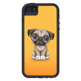 Cute Pug Puppy Dog Wearing Reading Glasses, Yellow iPhone SE/5/5s Case