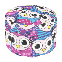 Cute purple cartoon owls seamless pattern pouf