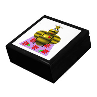 Cute queen bee on a quilt trinket box