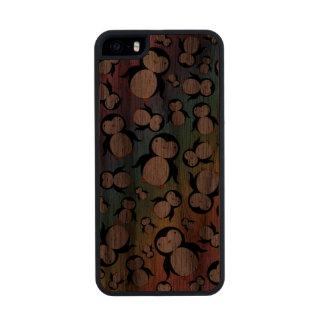 Cute rainbow penguin pattern carved® walnut iPhone 5 slim case