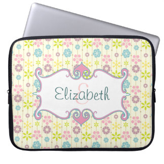 Cute retro look floral pattern monogram laptop sleeve