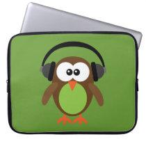 Cute Retro Owl DJ with Headphones Laptop Sleeve