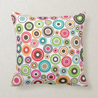 Cute retro seventies circle pattern pillow case