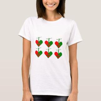 Cute Scandinavian Christmas Heart Pattern T-Shirt