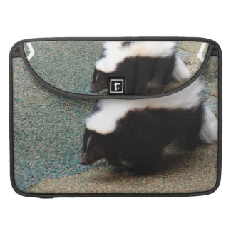 "Cute Skunk  15"" MacBook Sleeve Sleeve For MacBook Pro"