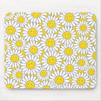 Cute Smiling White Daisy Pattern Mouse Pad