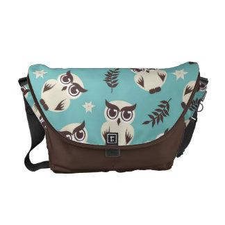 cute snowy white owls pattern messenger bag
