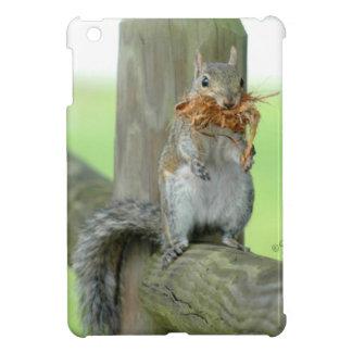Cute Squirrel carrying twigs iPad Mini Case