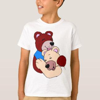 Cute Teddybears Hugging T-Shirt