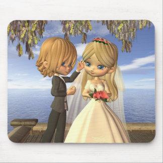 Cute Toon Wedding Couple on a Seaside Balcony Mousepad