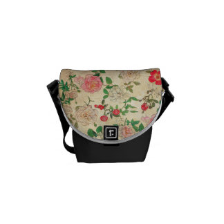 Cute White and Pink Roses Messenger Bag