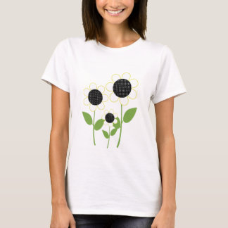 Cute White and Yellow Daisies T-Shirt
