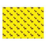 Cute yellow reindeer pattern postcard