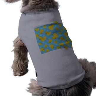 Cute yellow rubber ducks christmas blue snowflakes doggie t-shirt