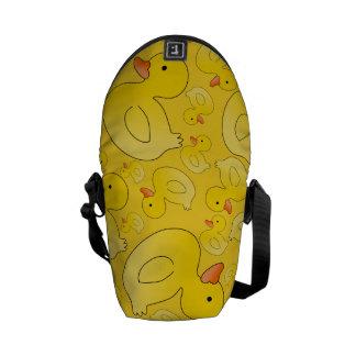 Cute yellow rubber ducks messenger bags