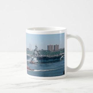 "CV-59 ""USS Forrestal"", combustible fósil, Nueva Taza Básica Blanca"