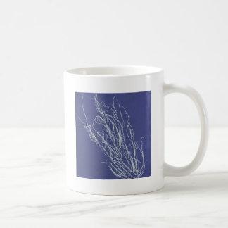 cyanotype de líneas en #2 azul y blanco taza