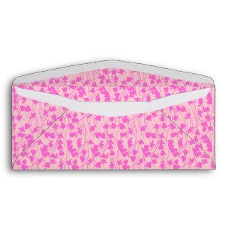 Cyclamen rosado floreciente - sobre del diseñador