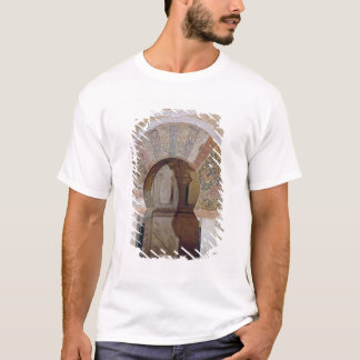 d4:Mezquita: Entrance to the Mihrab, c.786 T-Shirt