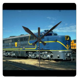 D&H Alco PA-1 #18. (tren; cielo; nubes; carril;) Reloj Cuadrado