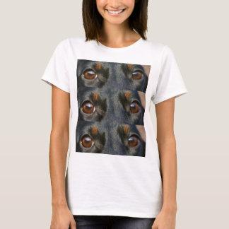 dachshund-black and tan eyes T-Shirt