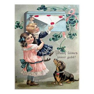 Dachshund de la tarjeta del día de San Valentín Postal