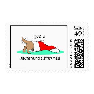Dachshund divertido del navidad timbres postales