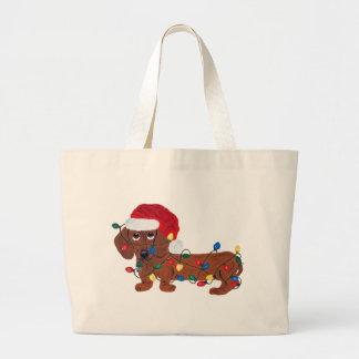 Dachshund enredado en las luces de navidad (rojas) bolsa tela grande