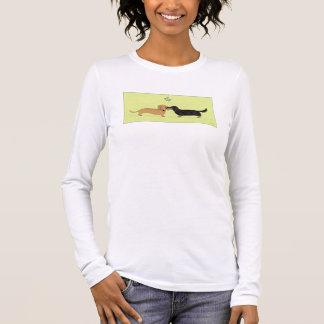 Dachshund Mistletoe Kiss - Wiener Dog Christmas Long Sleeve T-Shirt