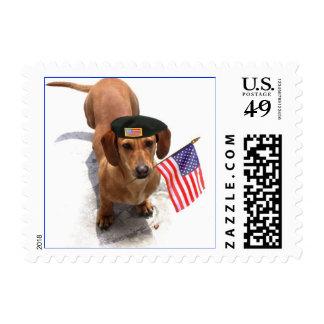 Dachshund patriótico sello postal