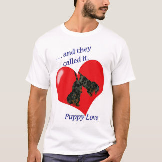 Dachshund Puppy Love   T-Shirt