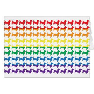 Dachshunds del arco iris del orgullo gay tarjeta de felicitación