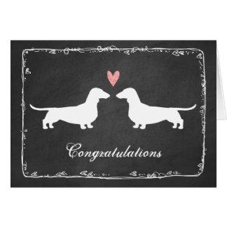 Dachshunds que casan enhorabuena tarjeta de felicitación