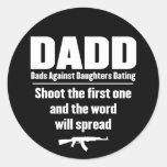 dadd - papás contra fechar de las hijas divertido pegatina redonda