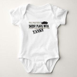 Daddy Plays w/ Tanks
