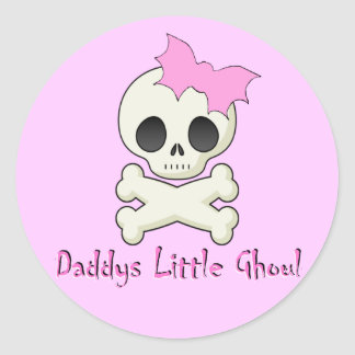 Daddy's little Ghoul Chiller Font Classic Round Sticker