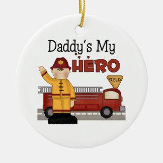 Daddys mi ornamento del navidad del bombero del adorno redondo de cerámica