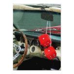 Dados borrosos rojos en convertible invitación 12,7 x 17,8 cm