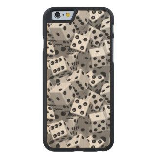 Dados Funda De iPhone 6 Carved® Slim De Arce