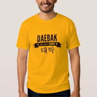 Daebak es coreano para impresionante (el Grunge) Playeras