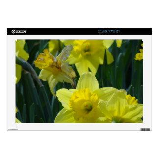 """Daffodils 17"""" Laptop Skin"""