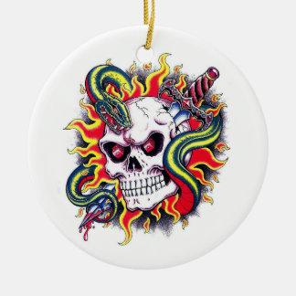 Daga ardiente de la serpiente del cráneo del tatua adornos de navidad