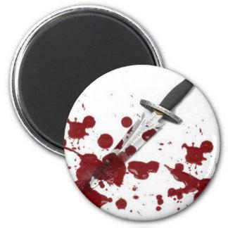 Daga sangrienta imán redondo 5 cm