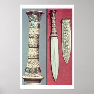 Daga y envoltura, tesoro de Tutankhamun, c.13 del  Póster
