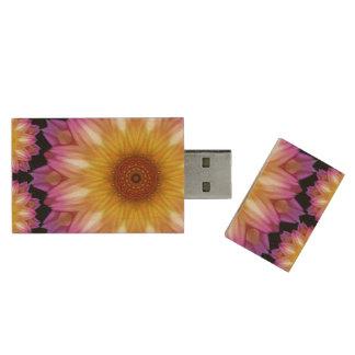 Dahlia madness wood USB 3.0 flash drive
