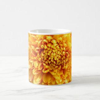 dahlia with yellow center mug