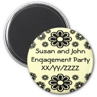Daisies Black and White Magnet Round