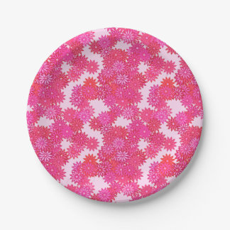 Daisies in shades of pink and fuchsia paper plate
